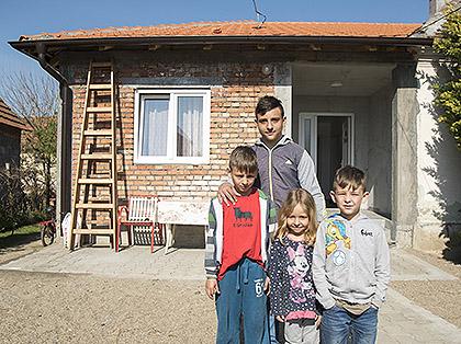 Помогнути Топаловићи из Шапца