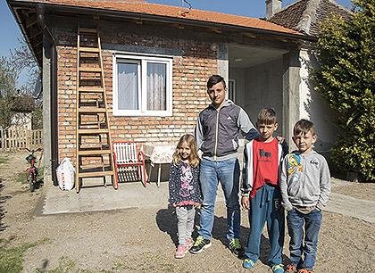 http://www.srbizasrbe.org/wp-content/themes/szs-theme/images/Srbija/2017/Topalovic/t7.jpg
