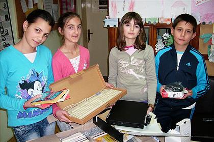 СЗС помогли школску библиотеку