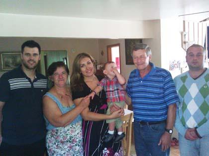 Помоћ за српску породицу из САД