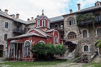 https://www.srbizasrbe.org/wp-content/themes/szs-theme/images/Vesti/2015/sveta-gora-10.jpg