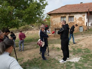 Стојановићи усељени у нову кућу!