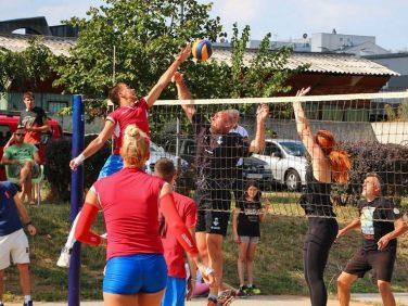 Одбојка из блока на Новом Београду